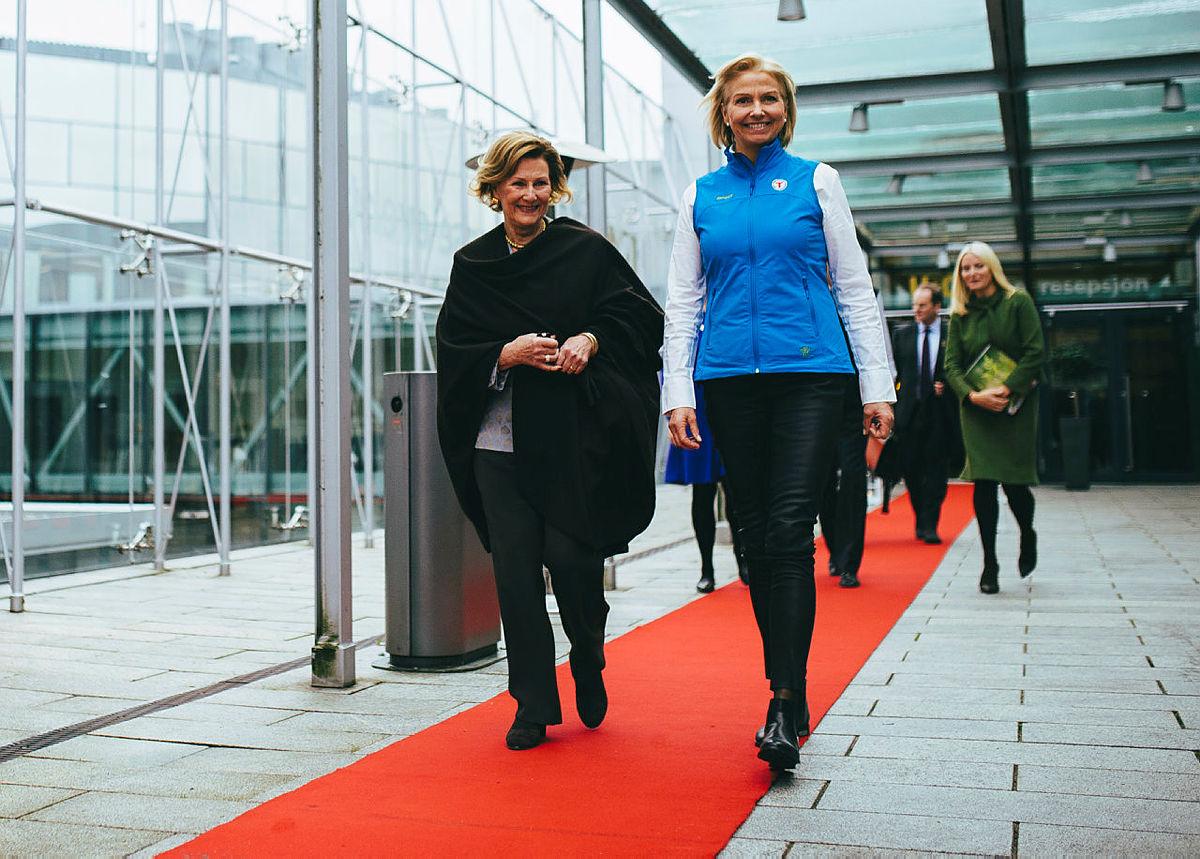 Berit Kjøll, som har vært foreningens styreleder i 6 år, leder sitt siste landsmøte. Dronning Sonja står på gjestelisten.