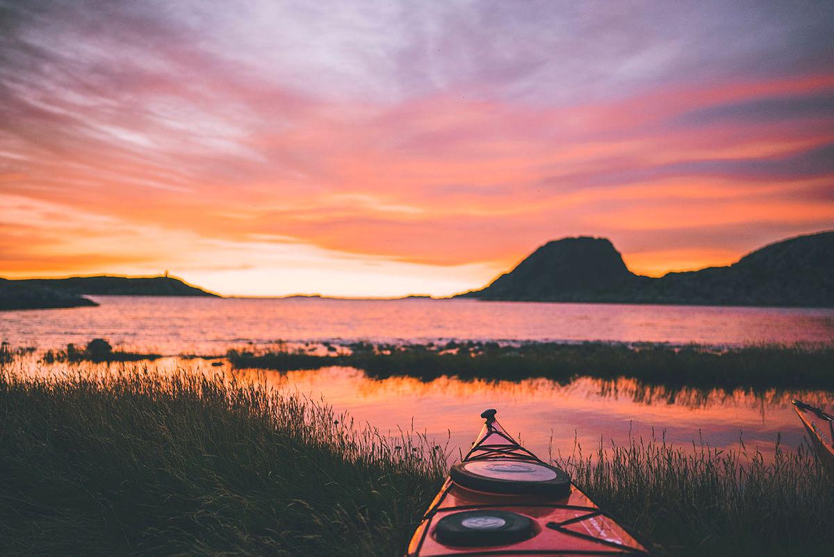 St. Hans, sommerferiestart og perfekt sommerkveld pfjorden. Frøya, Sør-Trøndelag | Bildet er fra DNTs fotokonkurranse-runder i 2016.