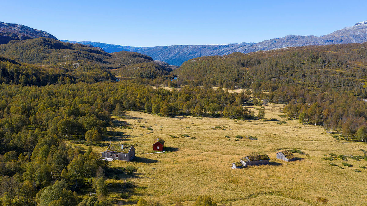 Bleskestadmoen i Suldal ligger ca. tre timers gange fra Bleskestad og har mye ledige senger fremover.