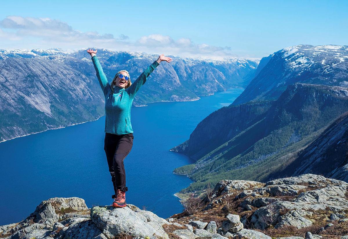 Se hvor glad man blir av å gjøre en verdsatt oppgave på fjellet!
