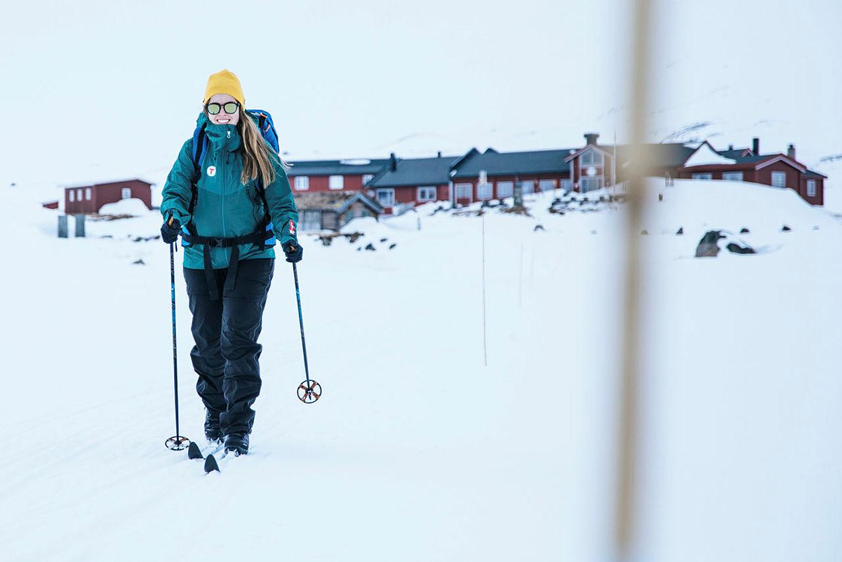 På fra Fondsbu på fjellski