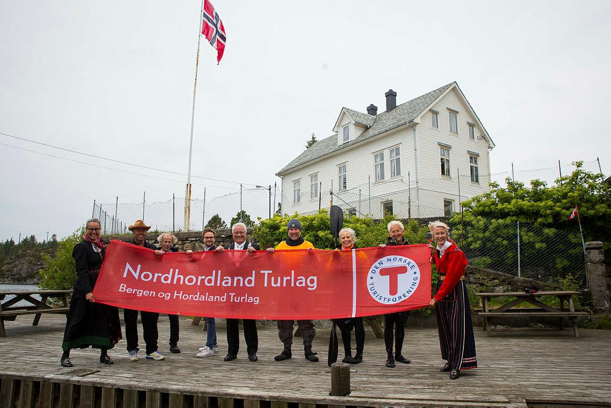 Nordhordland Turlag har et tett og godt forhold til Rongevær og gleder seg til å sette opp fellesturer dit.