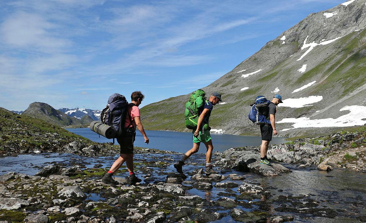 Hjørundfjorden rundt