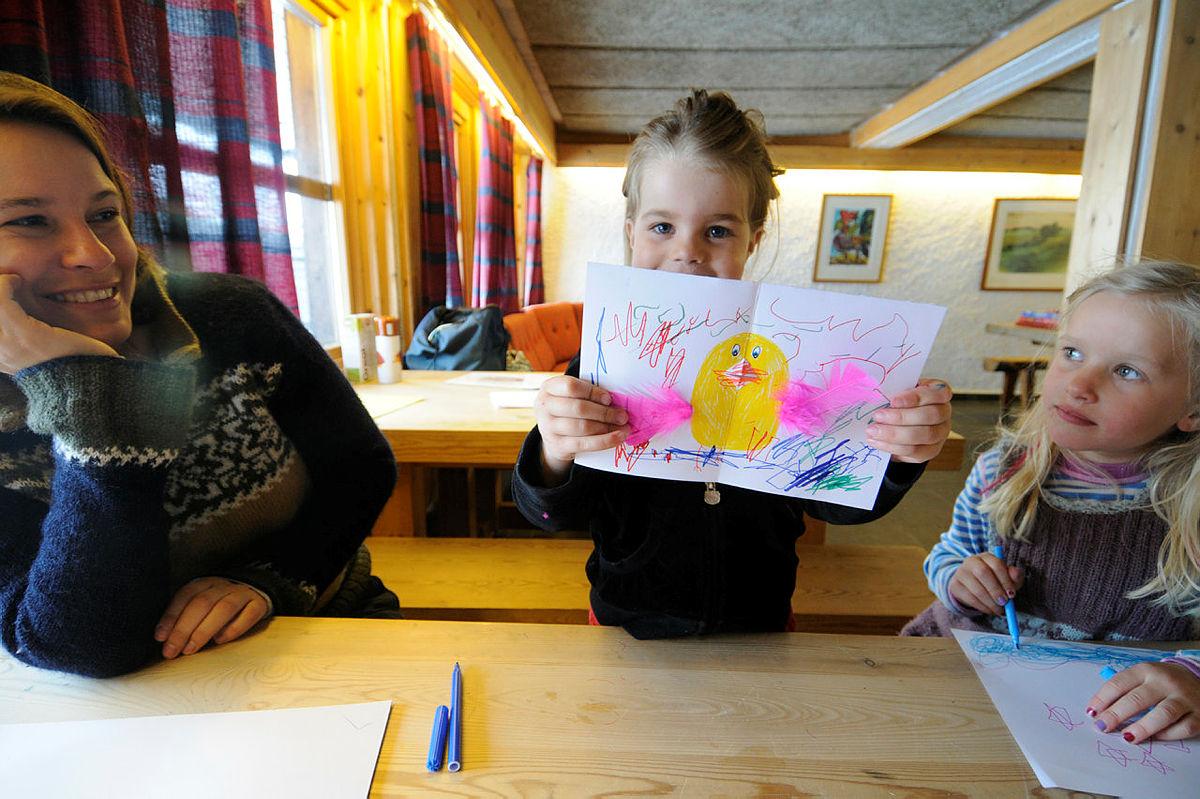 Full fart på påskeferie med Barnas Turlag på Sota Sæter i Breheimen.