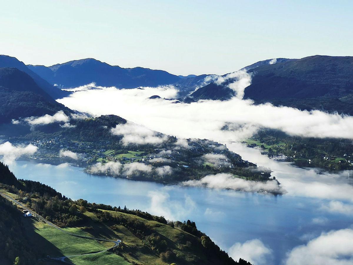 Rundtur over Erstadfjellet og Stemmeseggi fra Valestrand