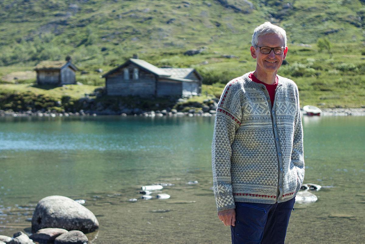 DNT lanserer jubileumskofte — Den Norske Turistforening