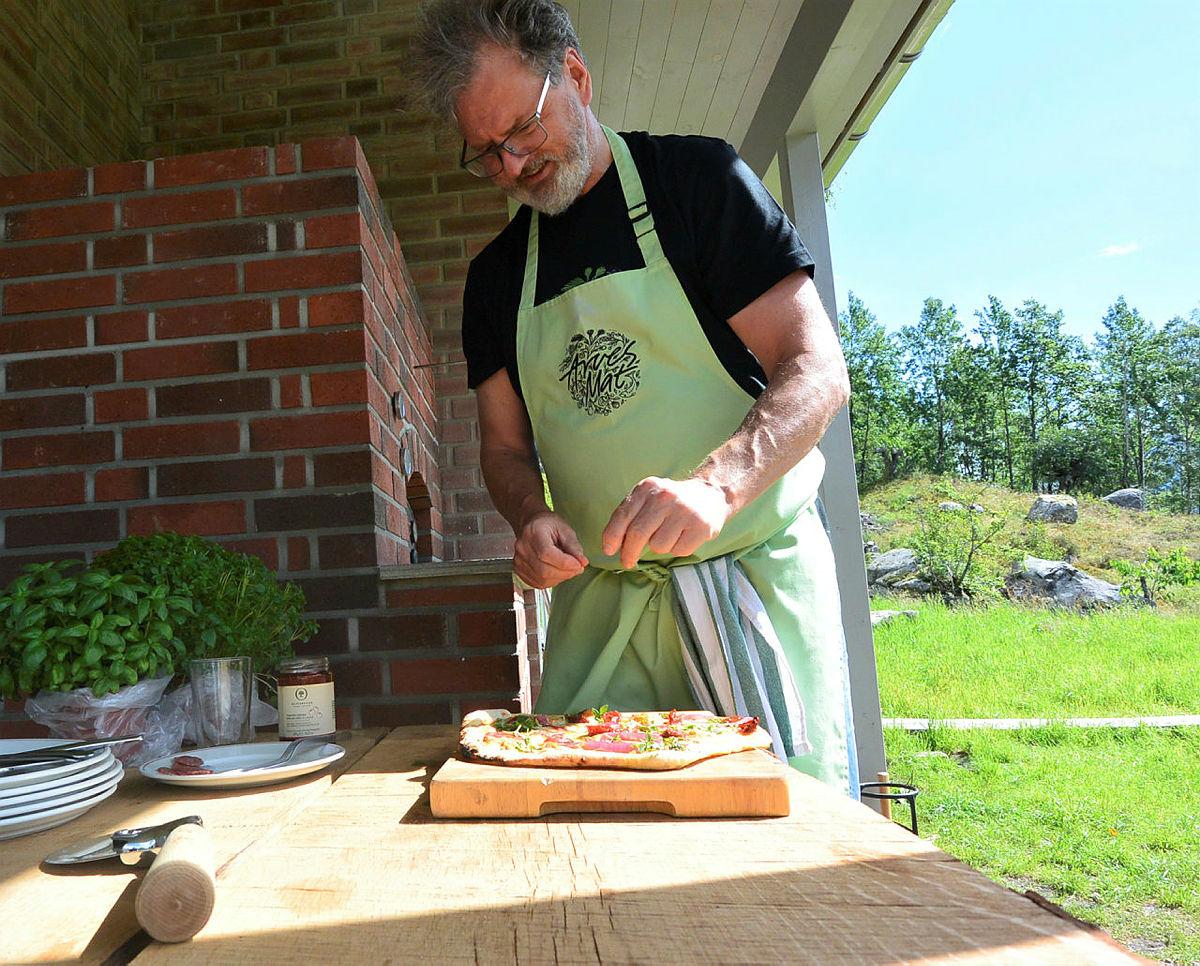 Bakken kan skilte med egen pizzaovn, så her ligger alle mulighetene til rette for å lage et fantastisk pizzamåltid.