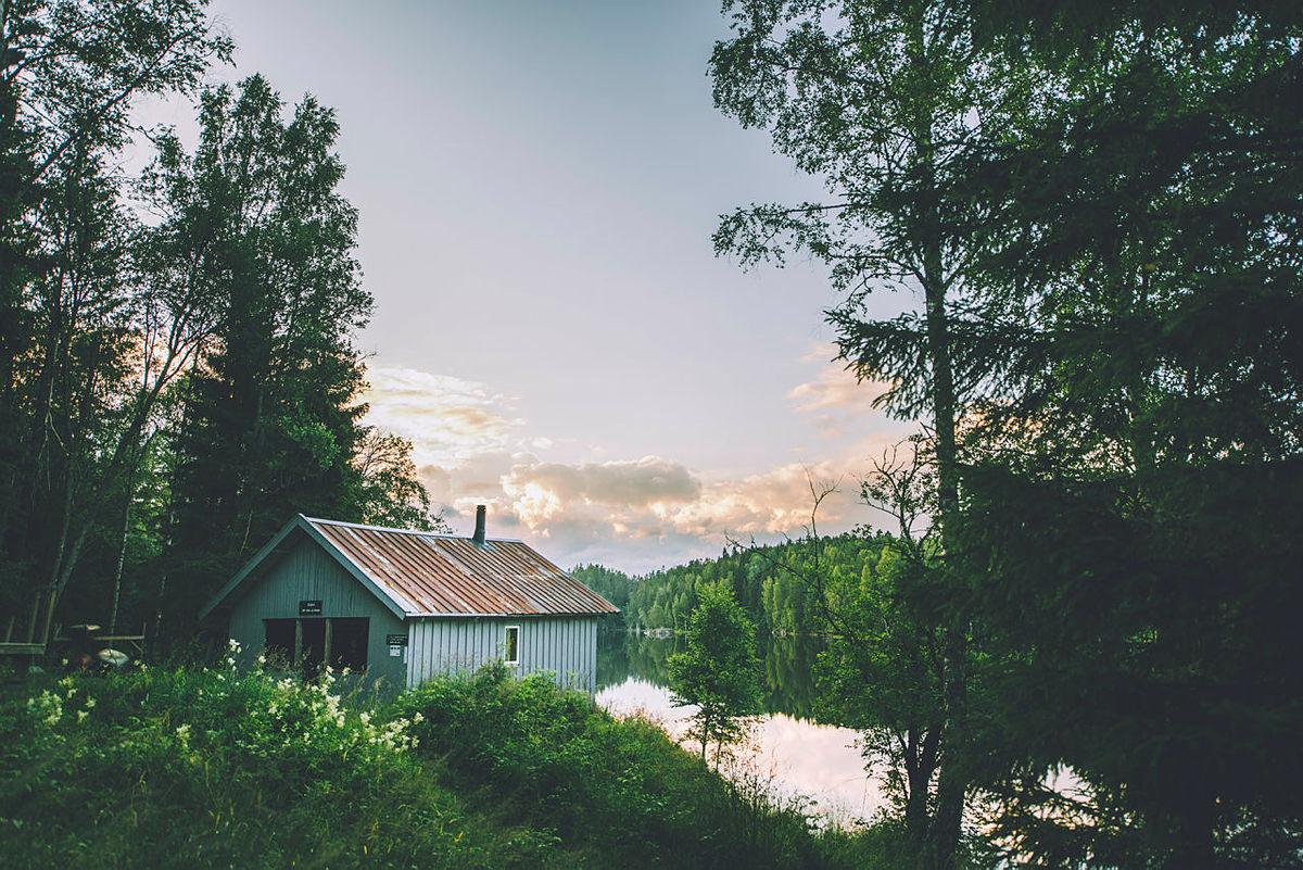 Du kan fremdeles booke Stallen i Østmarka og de andre ubetjente hyttene i Oslomarka. Men du må selv passe på å overholde smittevernreglene som omhandler antall kontakter privat.